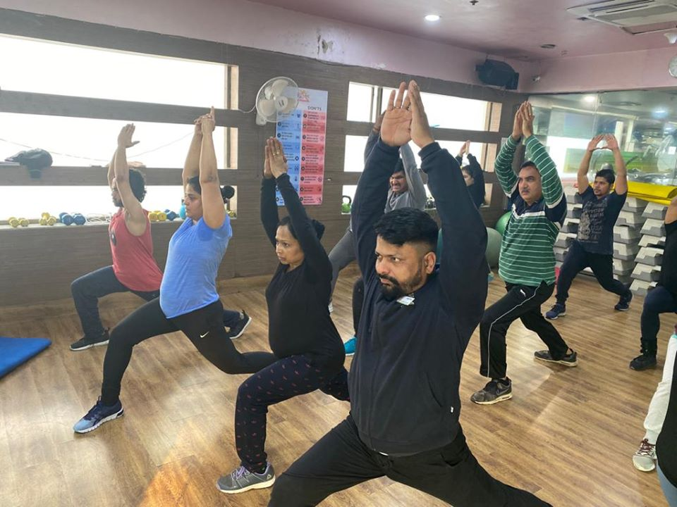 Indulge in our Core Strength Training sessions at Kailash Health Village, Noida for a flexible & active body in the most Fastest & Natural way.